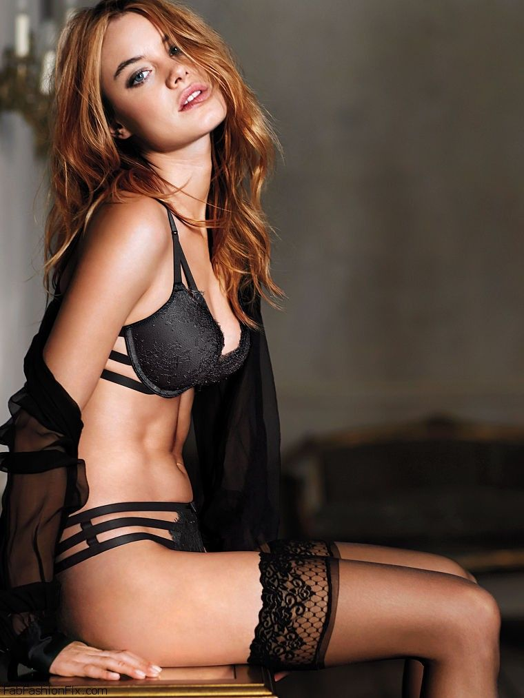 Camille Rowe Sexy photo 6