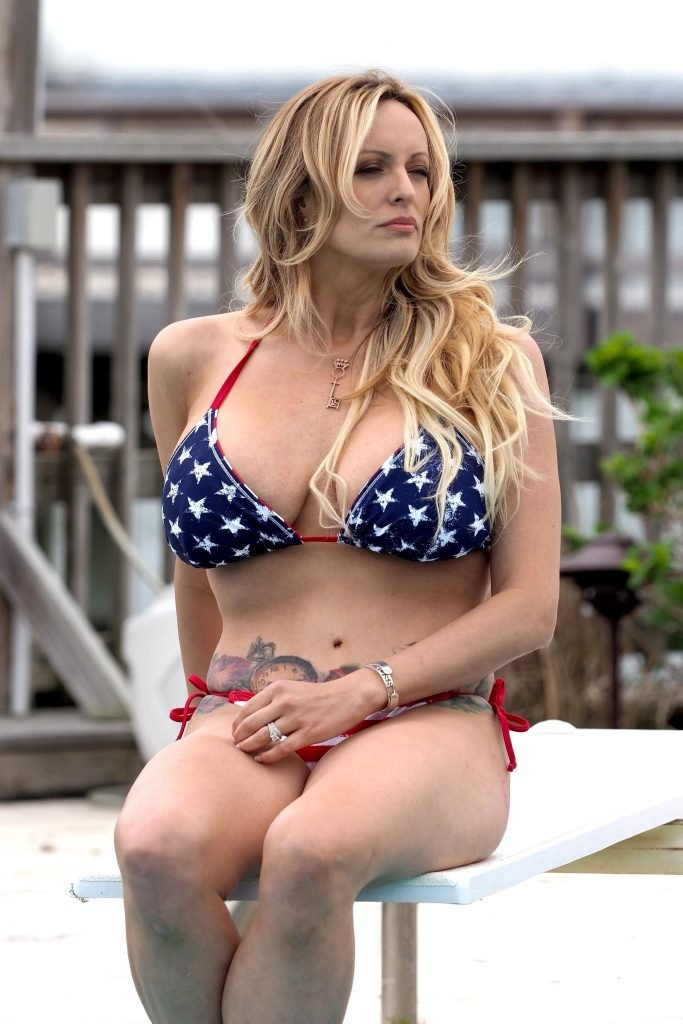 Naked Pics Of Stormy Daniels photo 6