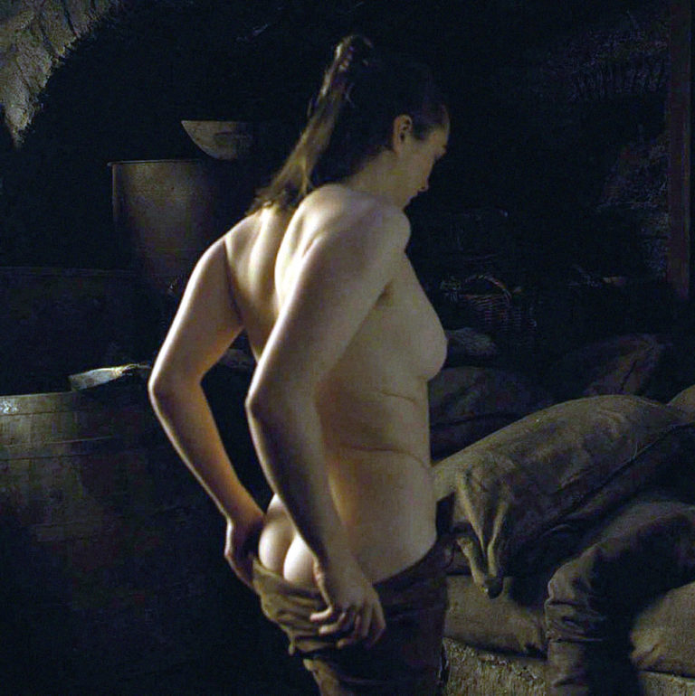 Maisie Williams Topless Leaked photo 12