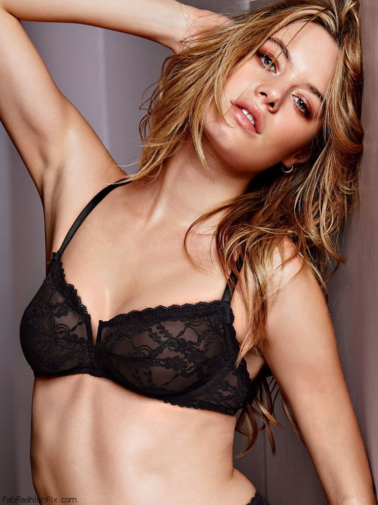 Camille Rowe Sexy photo 22