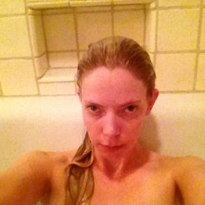 Riki Lindhome Pussy photo 4