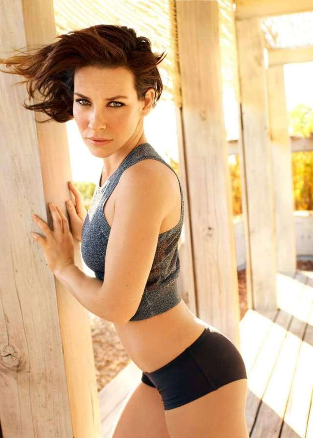 Evangeline Lilly Booty photo 6
