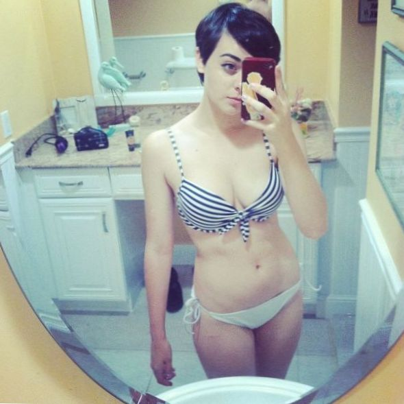 Maisie Williams Topless Leaked photo 13