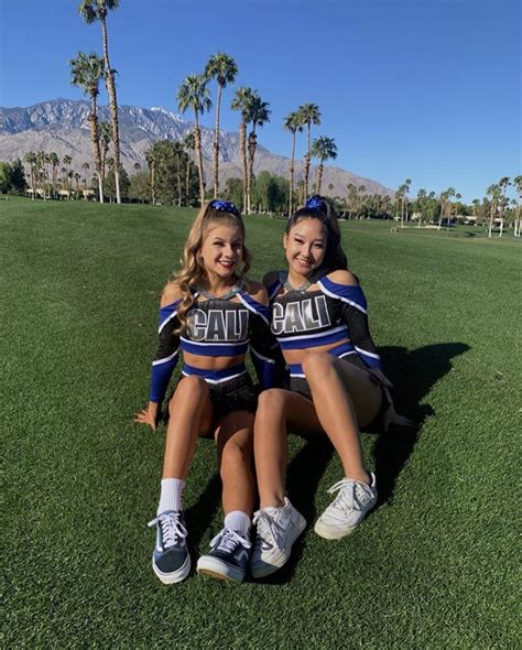 Poses For Cheer Pictures photo 27