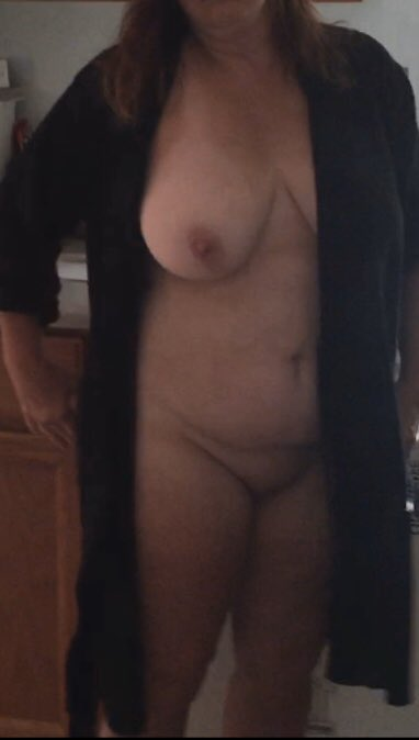 Topless Wife Video photo 11